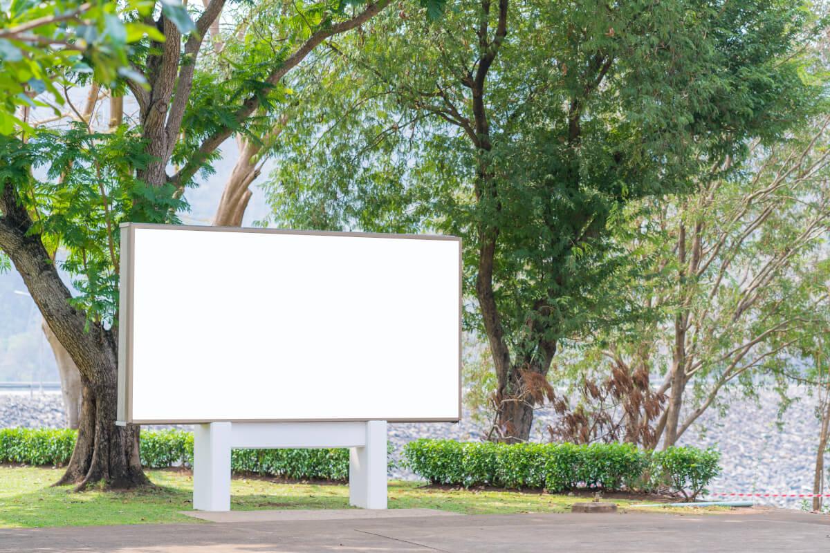 Czym jest reklama outdoorowa?